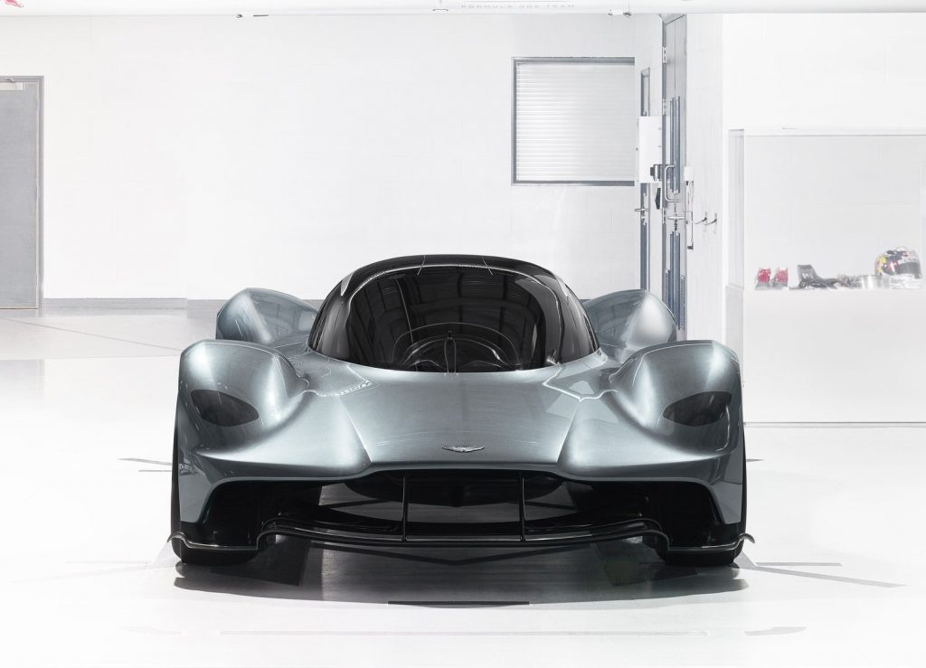 Aston Martin AM-RB 001, вид спереди