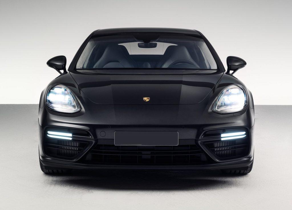 Porsche Panamera 2016, вид спереди