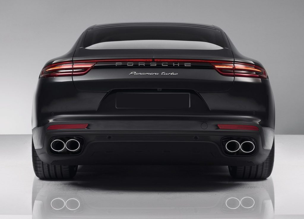 Новый Porsche Panamera, вид сзади