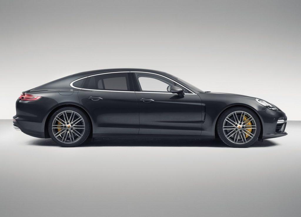 Новый Porsche Panamera, вид сбоку
