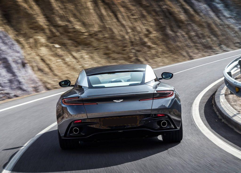 Aston Martin DB11 2016, вид сзади