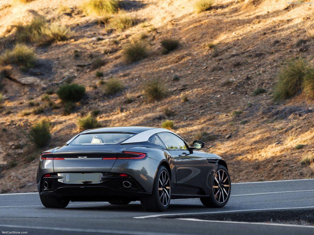 Aston Martin DB11, вид на заднюю диагональ