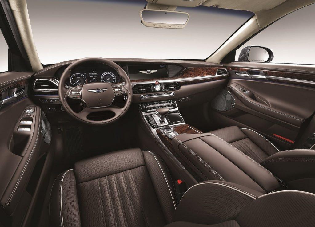 Новый Hyundai Genesis G90, передняя панель