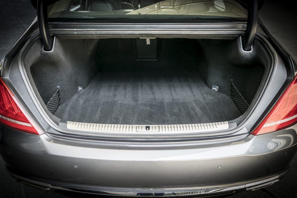Hyundai Genesis G90, багажник