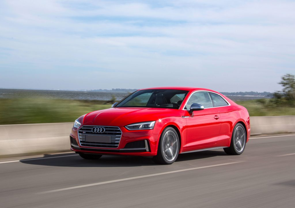 Audi S5, вид на переднюю диагональ