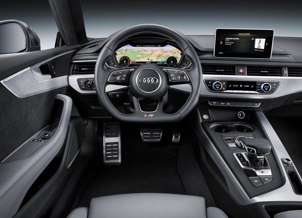 Новый Audi S5, передняя панель