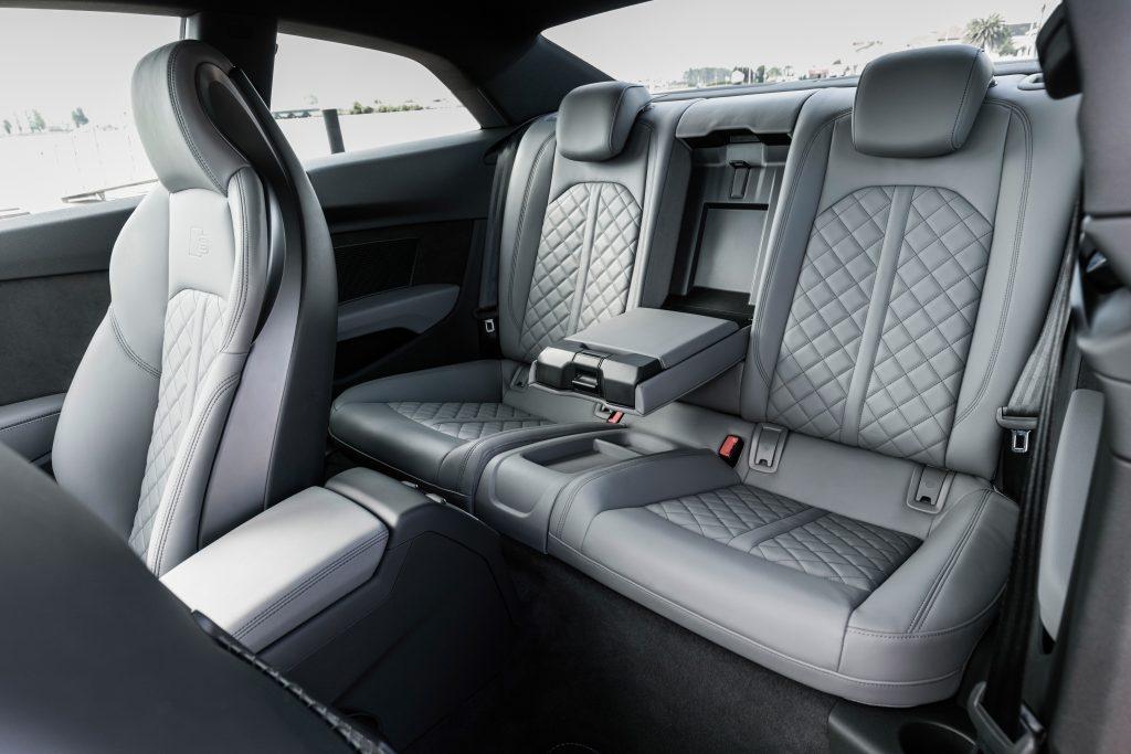 Audi S5, задние сиденья
