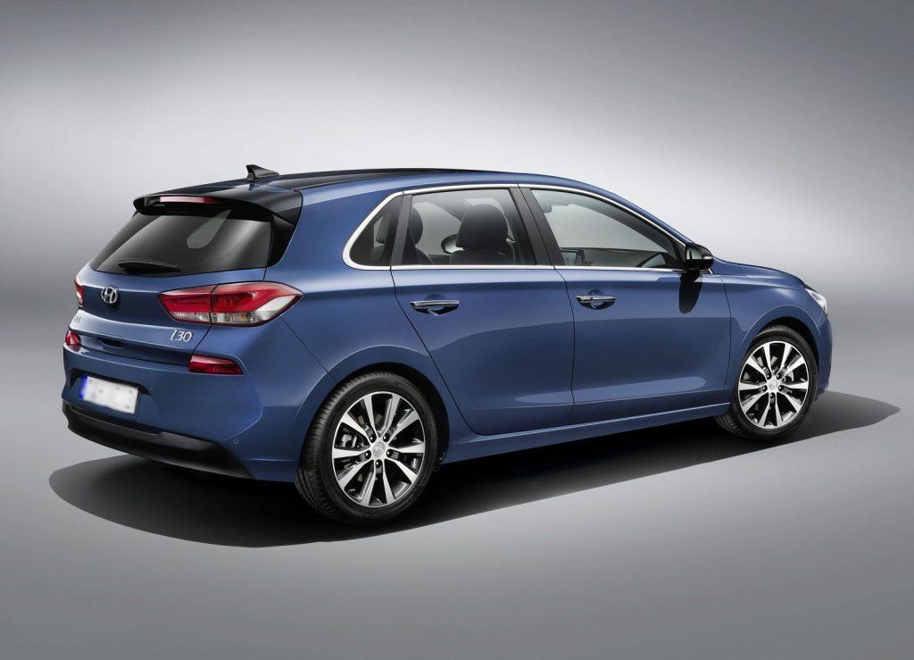 Новый Hyundai i30, вид на заднюю диагональ