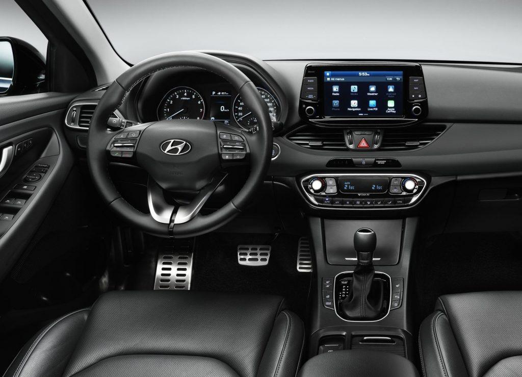 Hyundai i30, передняя панель