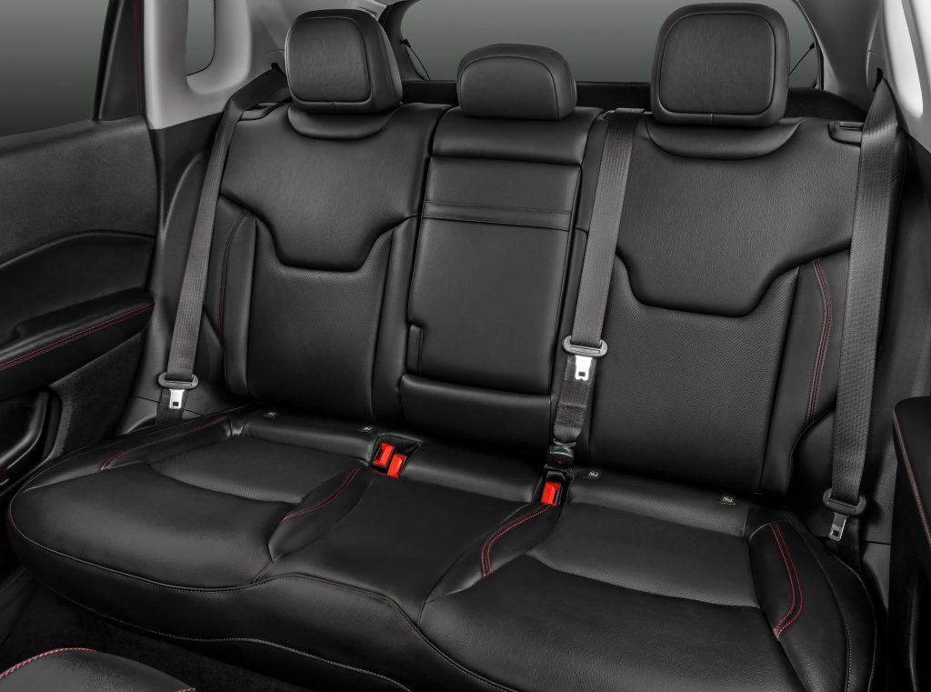 Jeep Compass, задние сиденья