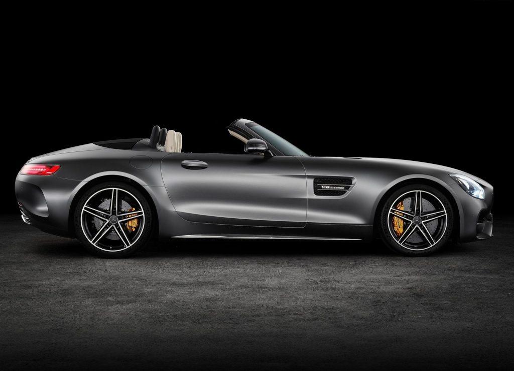 Mercedes-AMG GT Roadster 2017, вид сбоку