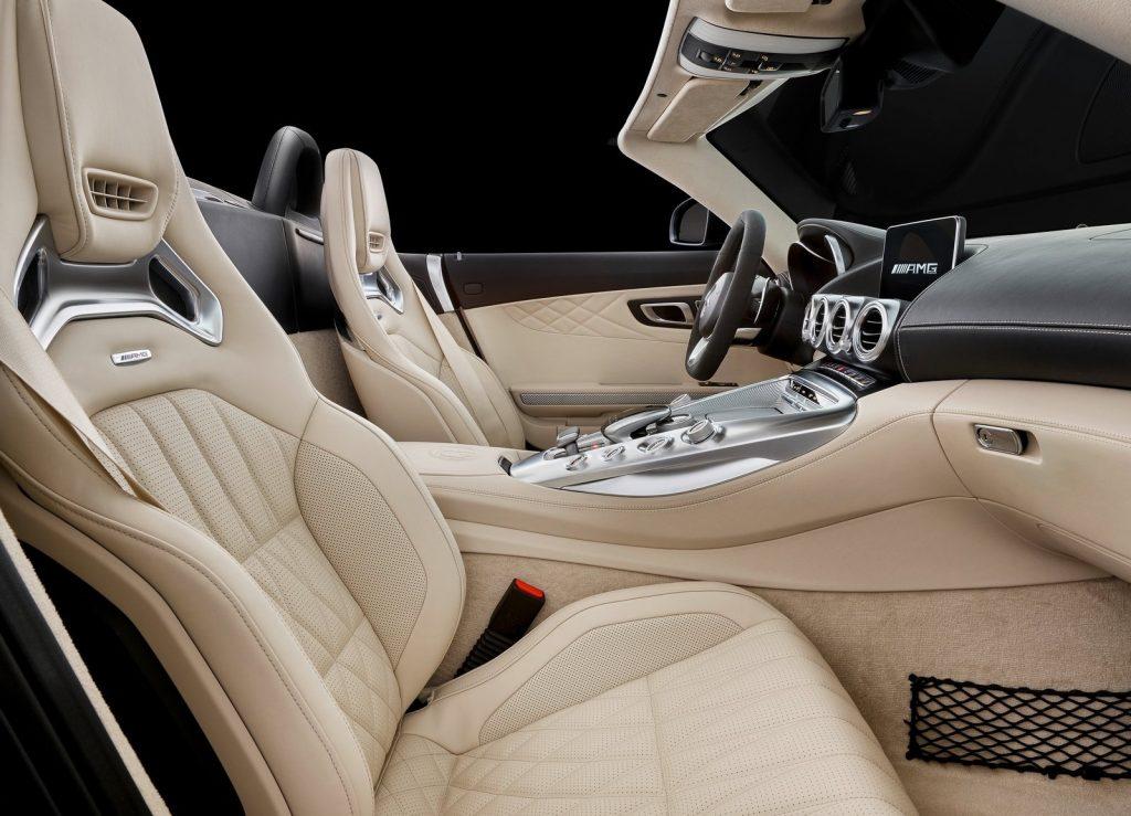 Mercedes-AMG GT Roadster 2017, сиденья