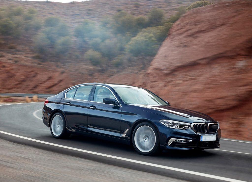 BMW 5 Series G30, вид на переднюю диагональ