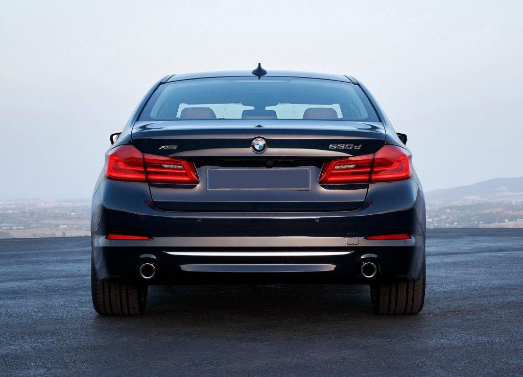 BMW 5 Series 2017, вид сзади