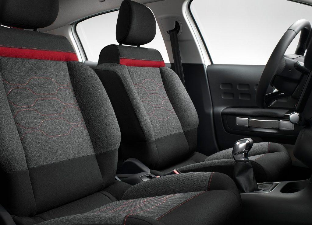 Citroen C3, передние сиденья