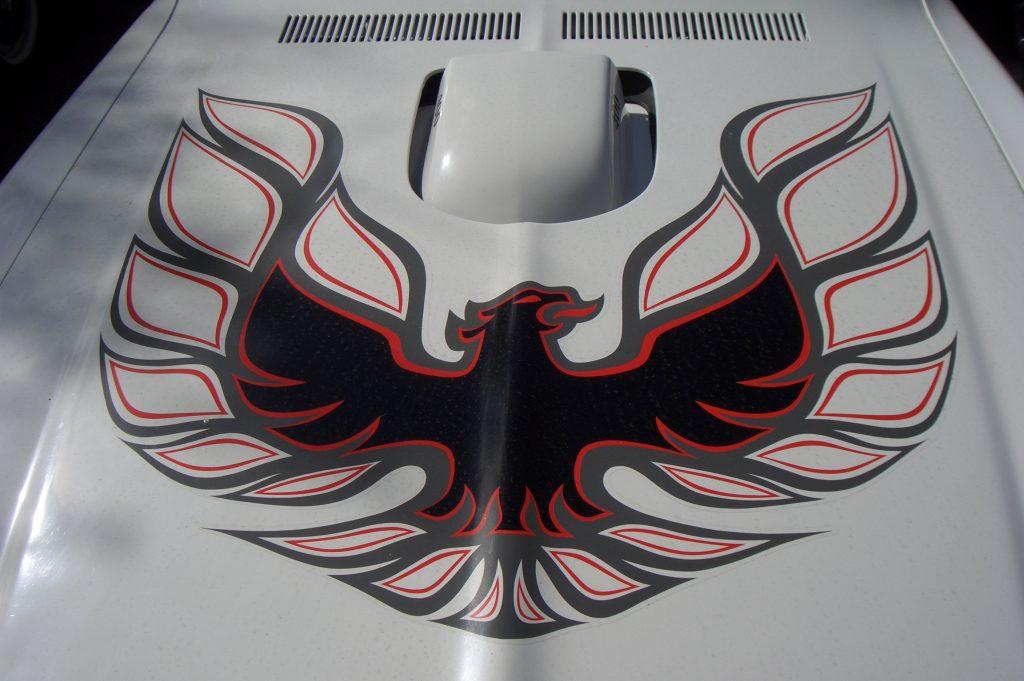 Логотип Pontiac Firebird