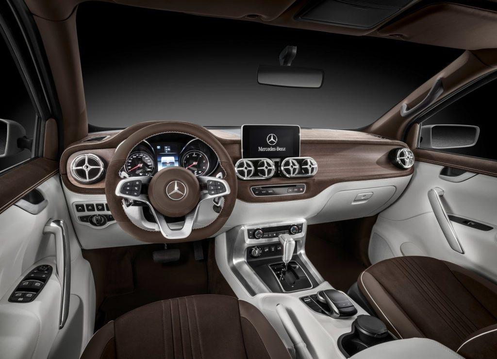 Mercedes-Benz Concept X-Class, передняя панель