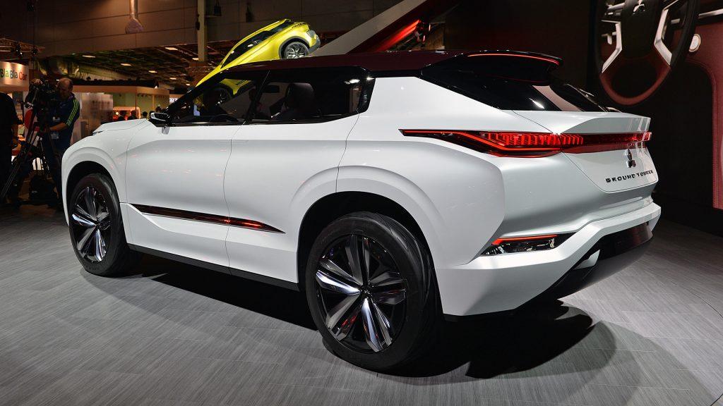Mitsubishi GT-PHEV 2016