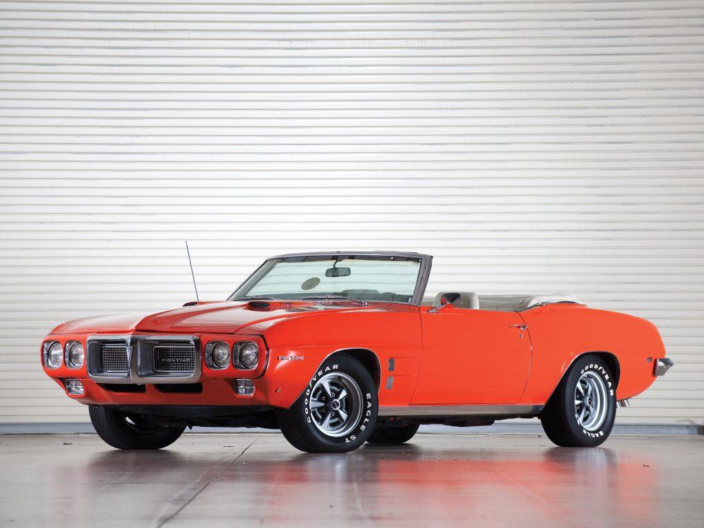 Кабриолет Pontiac Firebird 1969 года