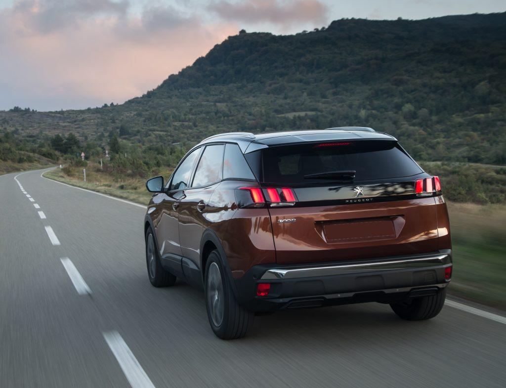 Peugeot 3008 2017, вид сзади