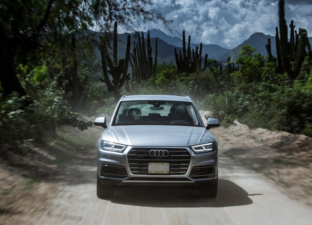 Audi Q5 2017, вид спереди