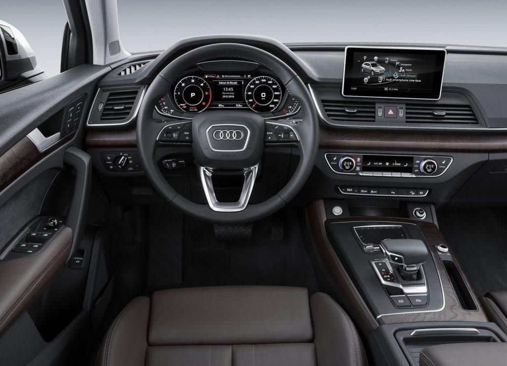 Новый Audi Q5, передняя панель