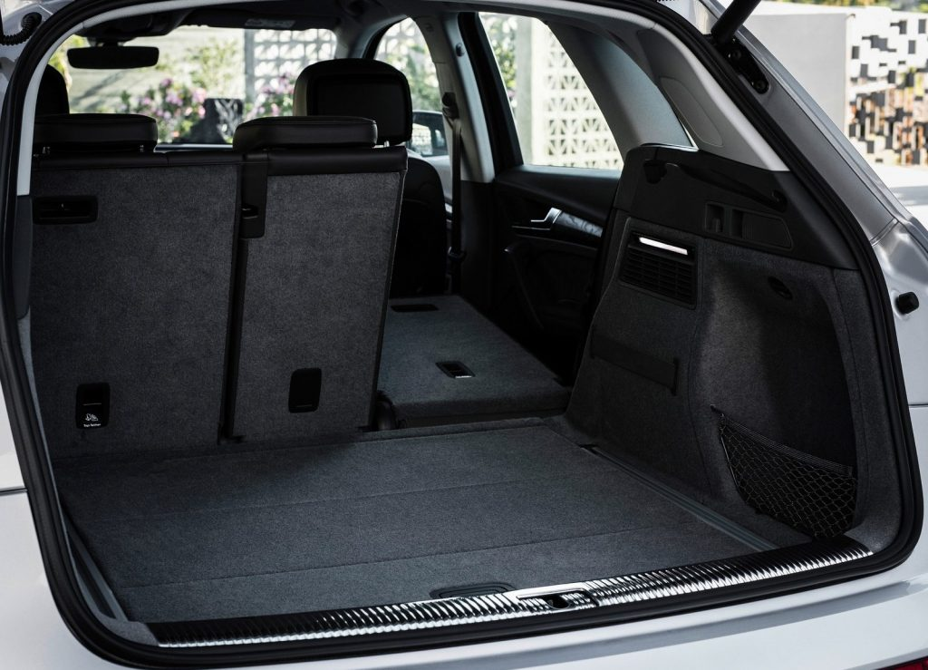 Audi Q5 2017, багажник