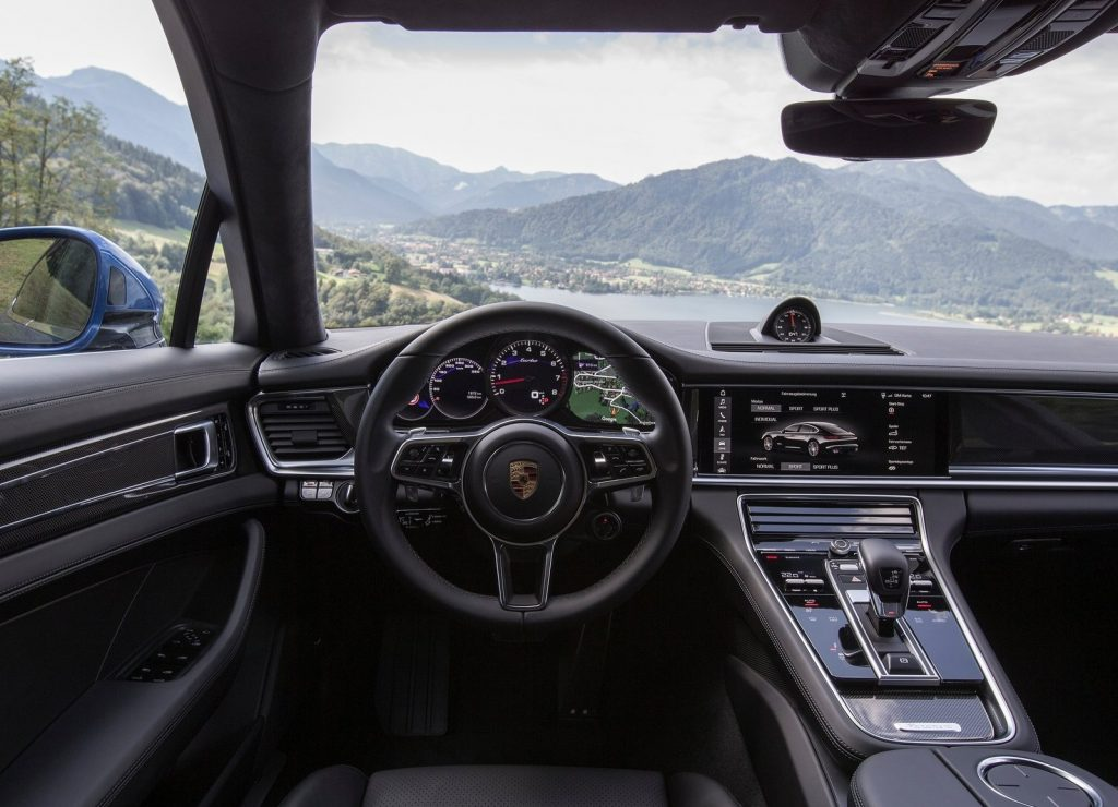 Новый Porsche Panamera, передняя панель