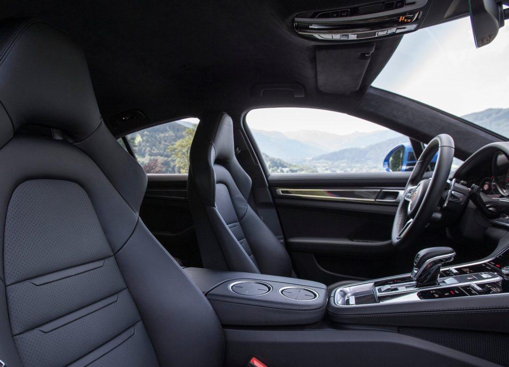 Porsche Panamera, передние сиденья