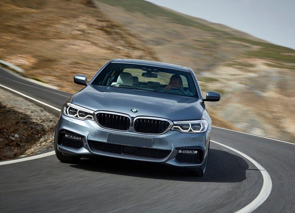 BMW 5 Series 2017. вид спереди