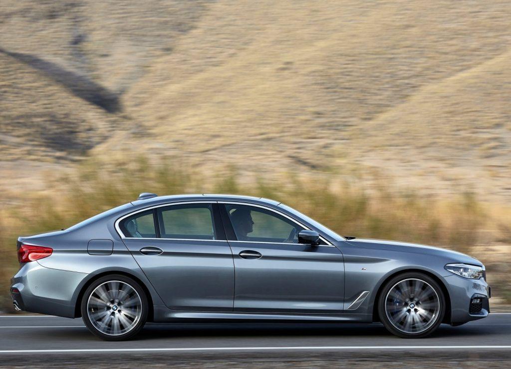 Новый BMW 5 Series . вид сбоку