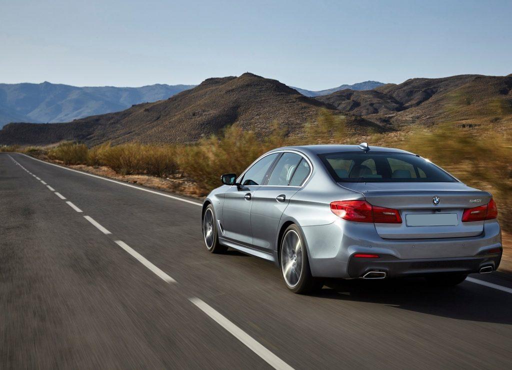 BMW 5 Series, вид сзади