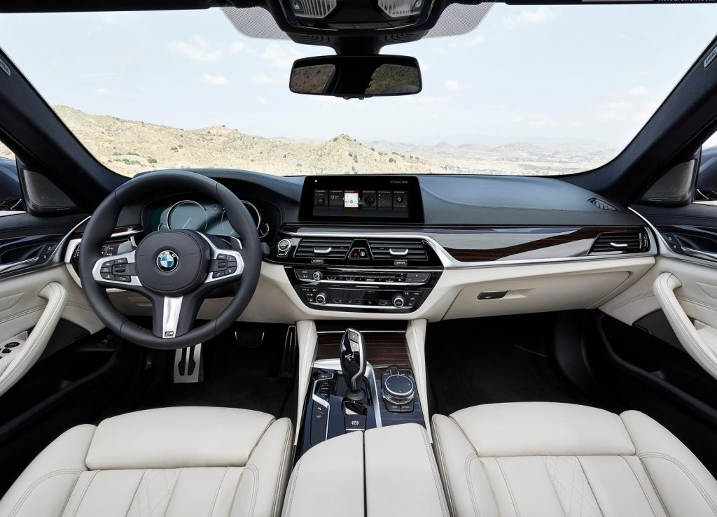 BMW 5 Series, салон