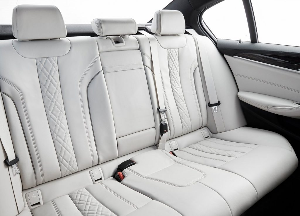 BMW 5 Series, задние сиденья