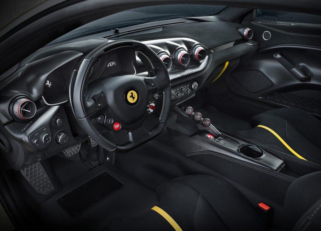 Ferrari SP275 RW Competizione, салон