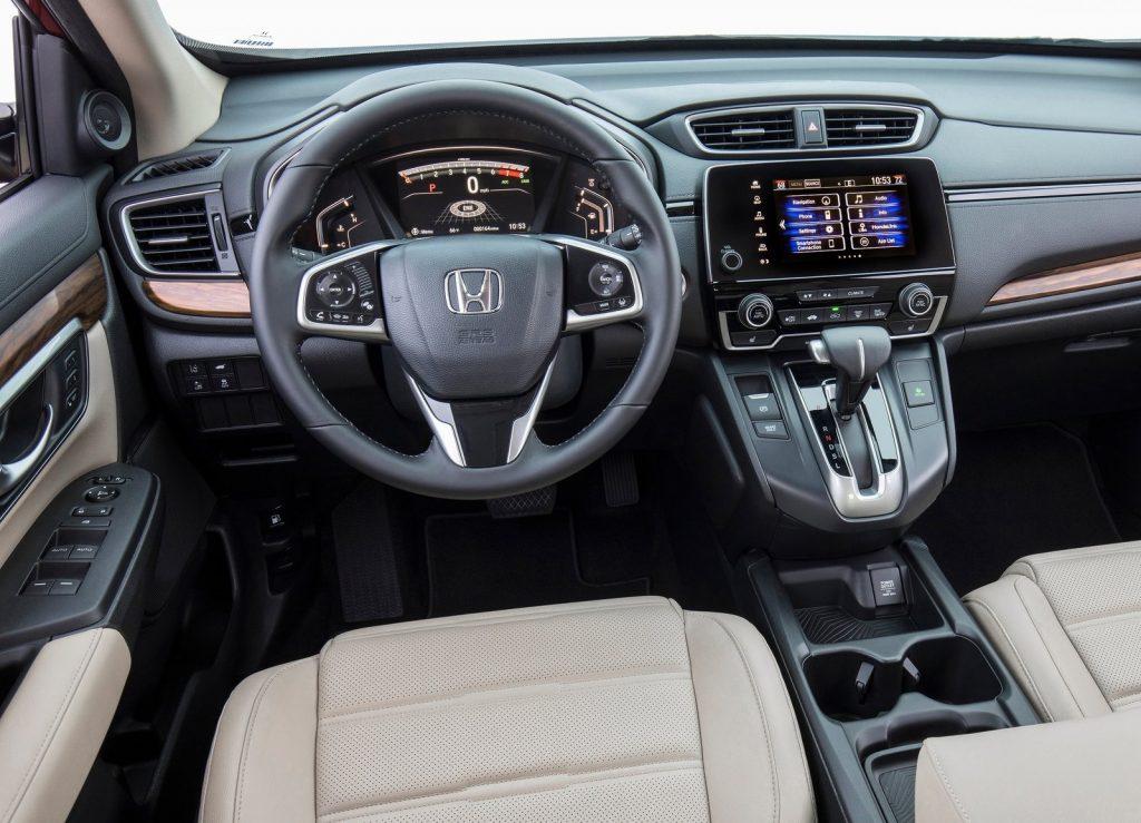 Honda CR-V, передняя панель