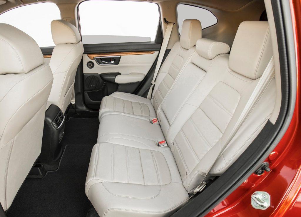 Новый Honda CR-V, задние сиденья