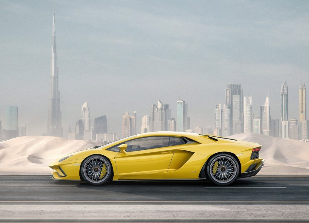 Lamborghini Aventador S, вид сбоку