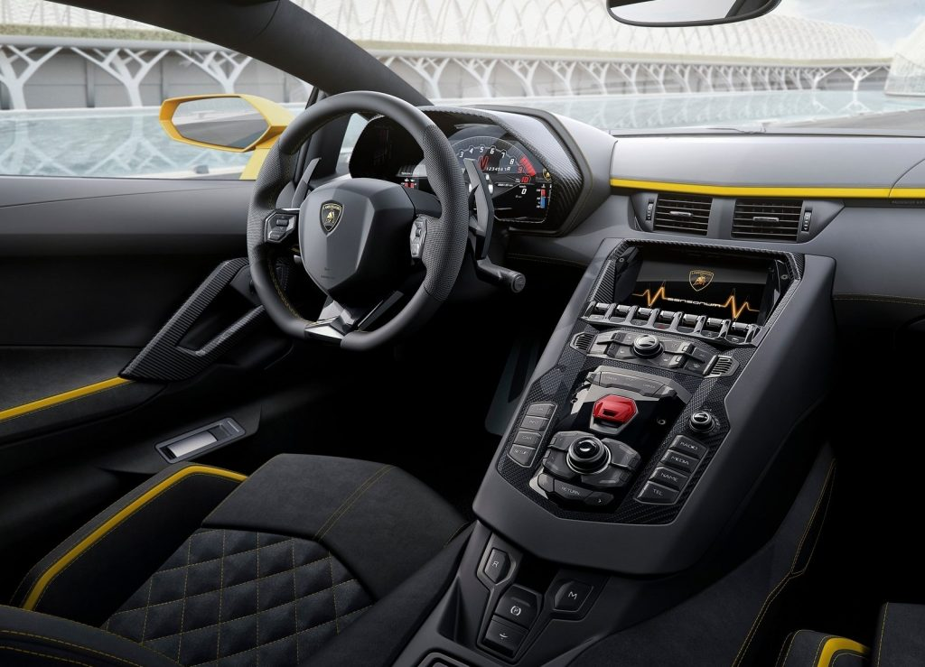Lamborghini Aventador S 2017, салон