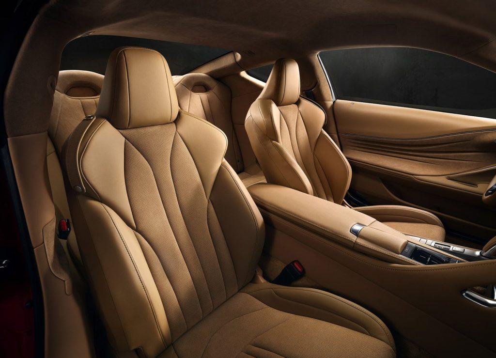 Lexus LC 500 2017, передние сиденья