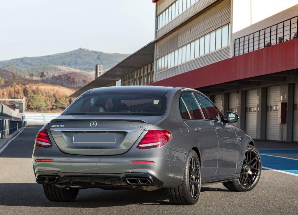 Новый Mercedes-AMG E63, вид сзади
