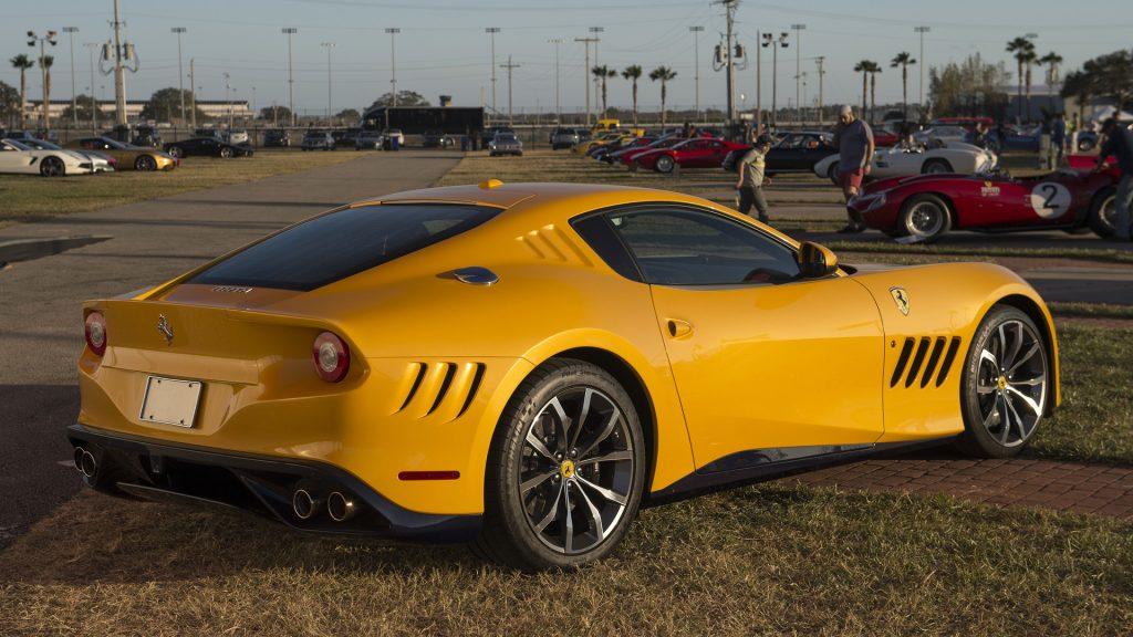 Ferrari SP275 RW Competizione, вид на заднюю диагональ