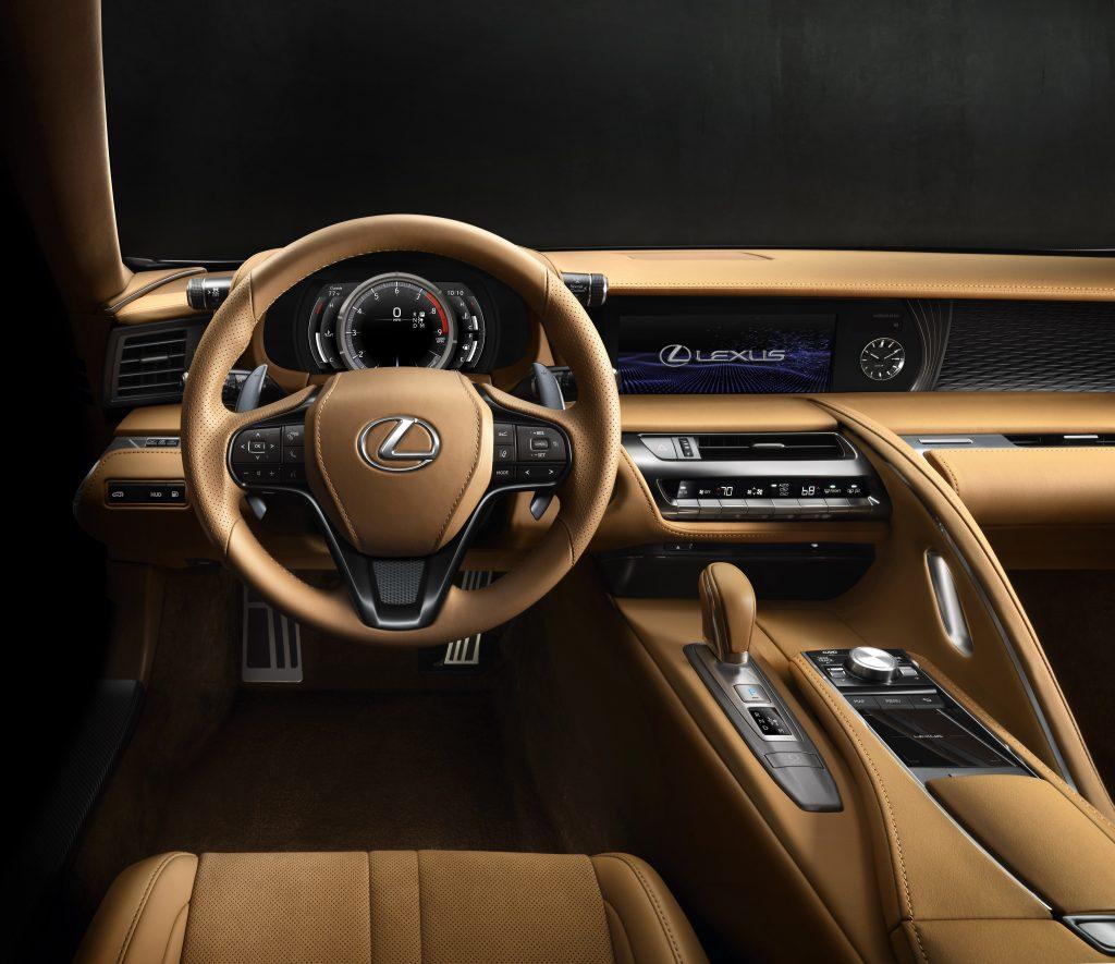 Lexus LC 500, передняя панель