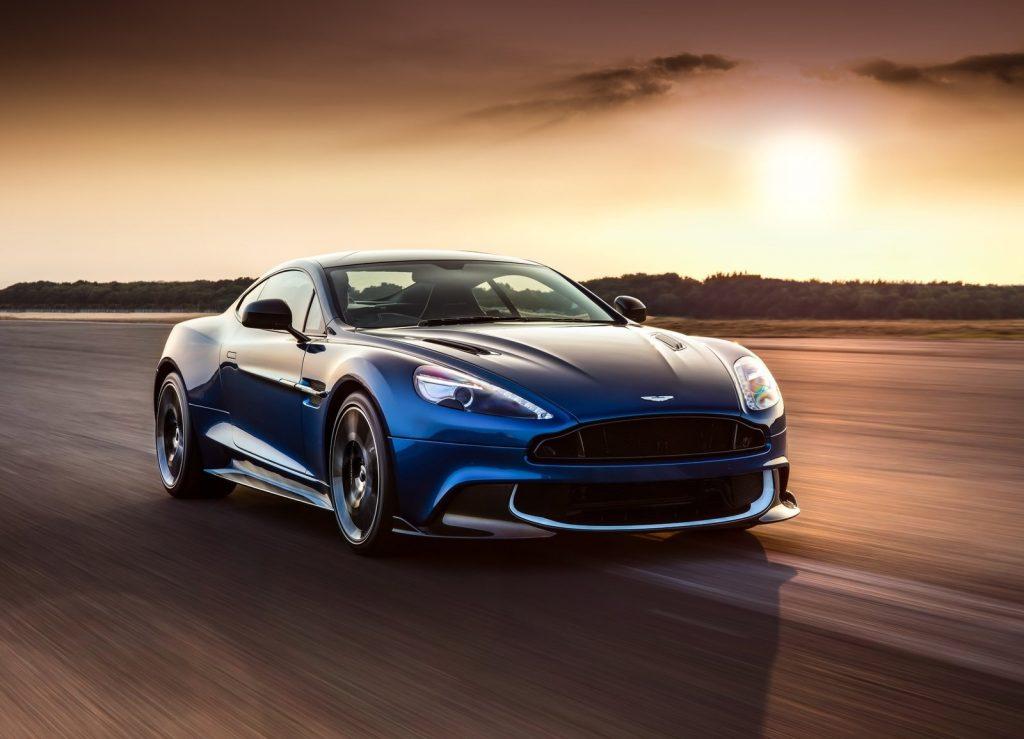 Aston Martin-Vanquish S, видна переднюю диагональ