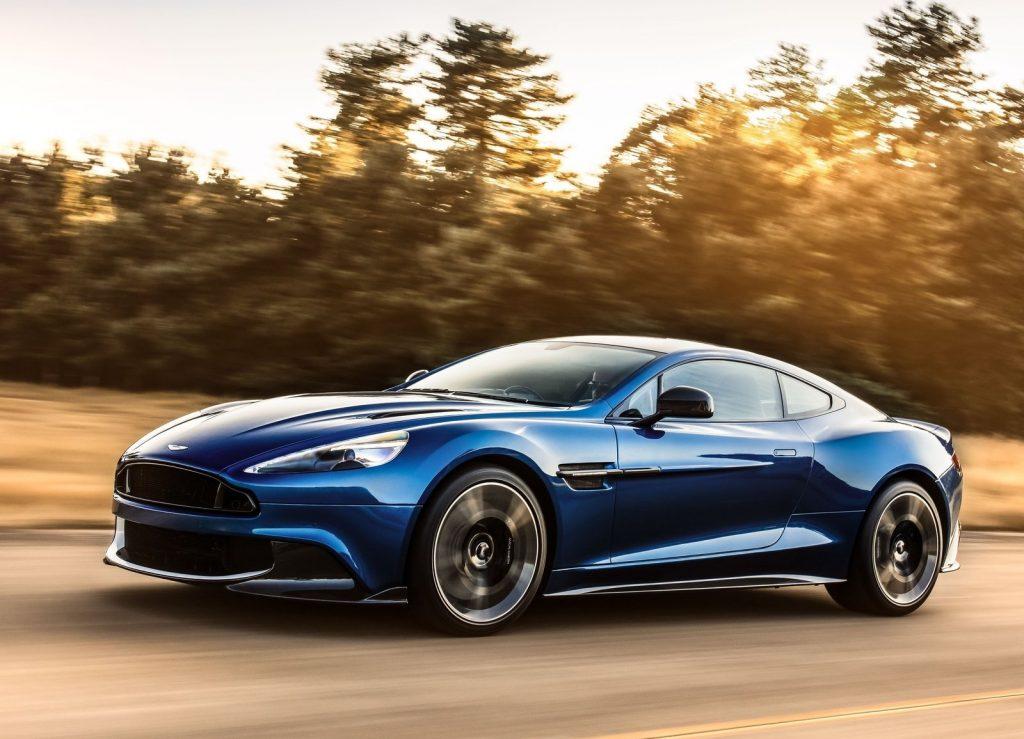 Aston Martin Vanquish S 2017, вид сбоку