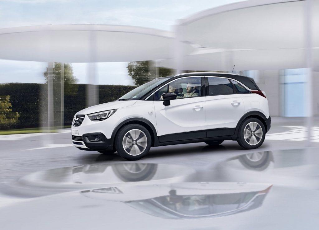 Opel Corssland X, вид сбоку