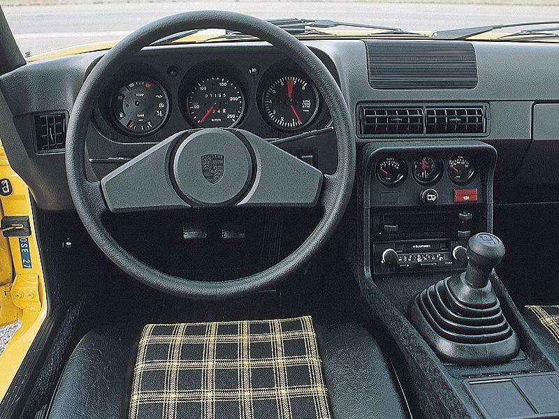 Салон Porsche 924