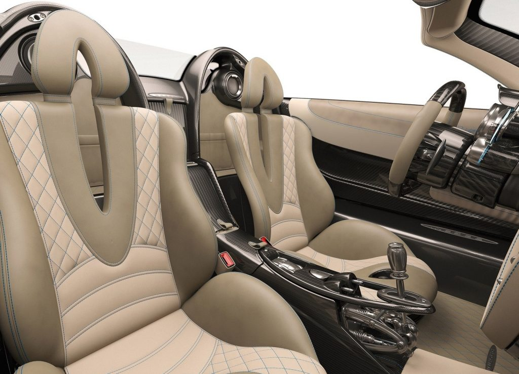 Pagani Huayra Roadster, сиденья