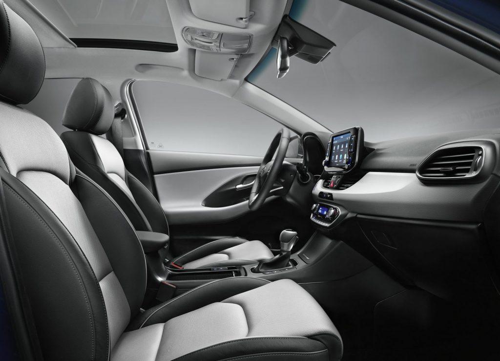 Hyundai i30, передние сиденья