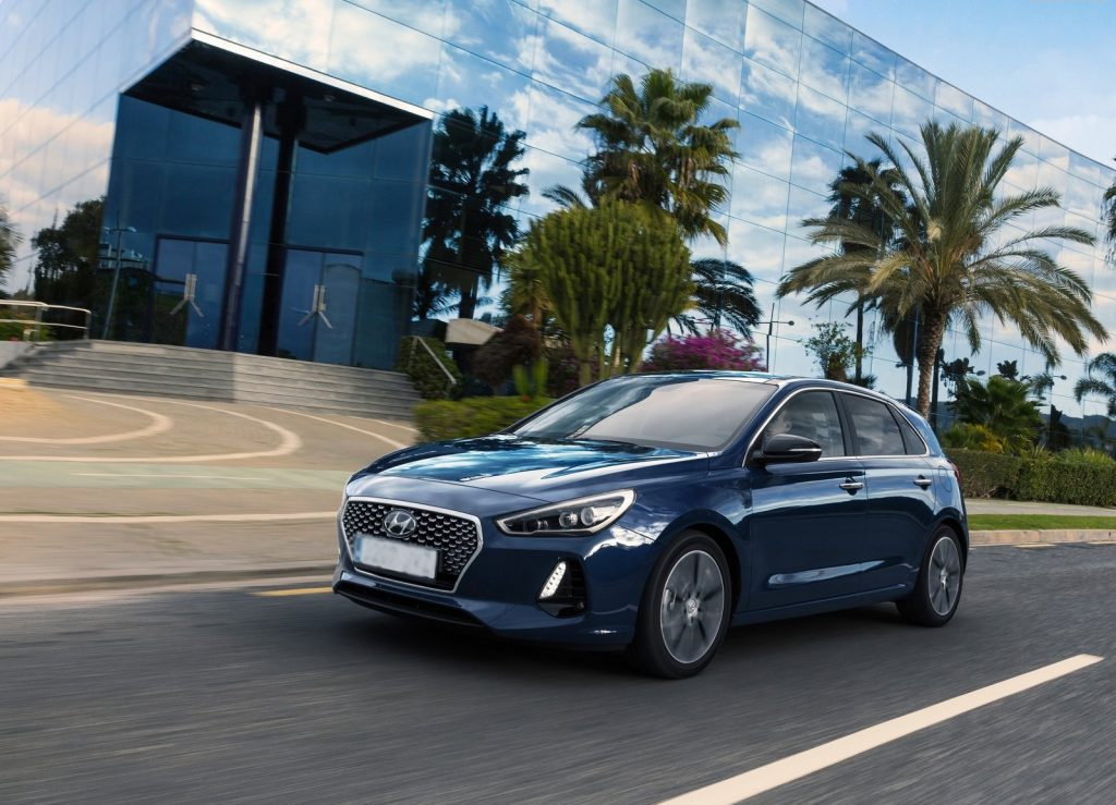 Hyundai i30 2017, вид на переднюю диагональ
